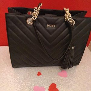 DKNY Veronica Soft Chevron Quilted Tote